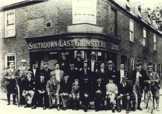 Oldest known picture, believed date of 1898, Fruiterers Arms.